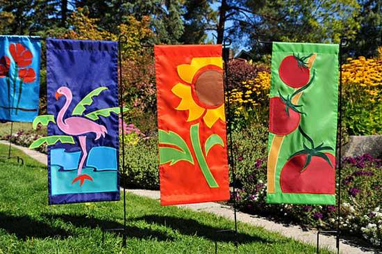 garden-flags